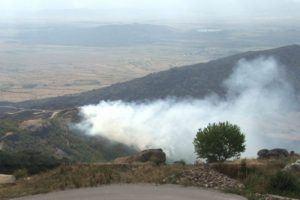 Голем пожар кај прилепско Смолани – пламените јазици се долги неколку километри