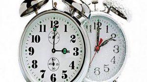 Во недела часовникот се враќа еден саат наназад