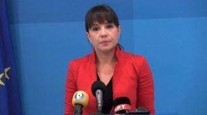 Царовска ги повика училиштата да ги исполнат обврските од договорот за државната матура
