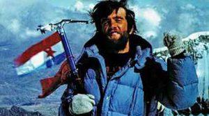 32 години откако Мурато го освои Монт Еверест