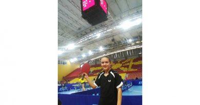 """10 годишната Фани Јованоска од Крушево """"гази"""" се пред себе на големиот меѓународен турнир во пинг понг во Шведска"""