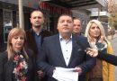 ВИДЕО – Ристески: Роднините на градоначалникот граделе без дозвола, а тој не знаел – театар комедија