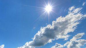 Сончево време со мала до умерена облачност