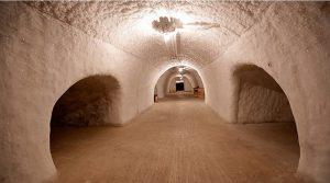 ВИДЕО – Најголемиот природен фрижидер на светот составен од 200 пештери, ископан во пермафростот (вечно замрзнатото тло)