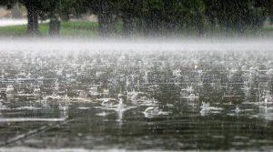 Облачно со врнежи од дожд, на повеќе места поројни и проследени со грмежи