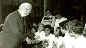 Вакцината е мој подарок за децата од целиот свет – Алберт