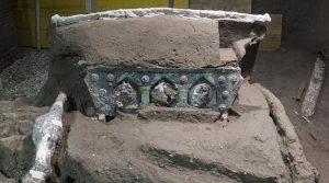 Античка римска кочија откопана во Помпеја