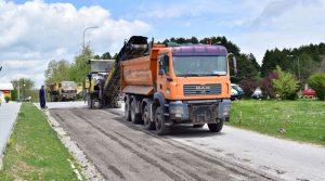 Нов асфалт од Спомен куќата на Тоше до влезот на Крушево