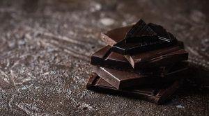 Темното чоколадо ги намалува проблемите со срцето, крвниот притисок и шеќерот